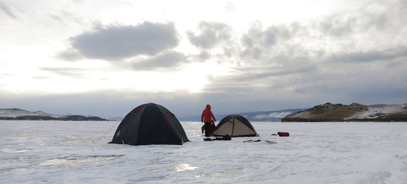 Zelten auf dem Eis
